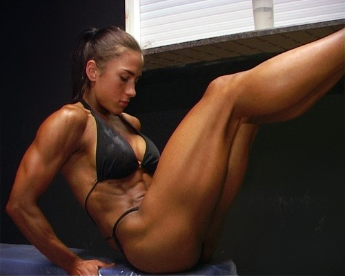 Видео мускулистые ножки